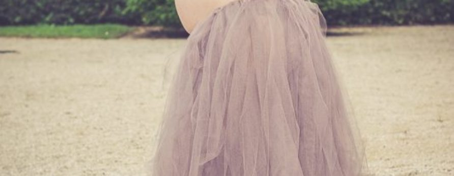 Ensemble taupe jupon tulle et bustier jersey grossesse shooting photographe